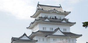 小田原城のそばにあります。